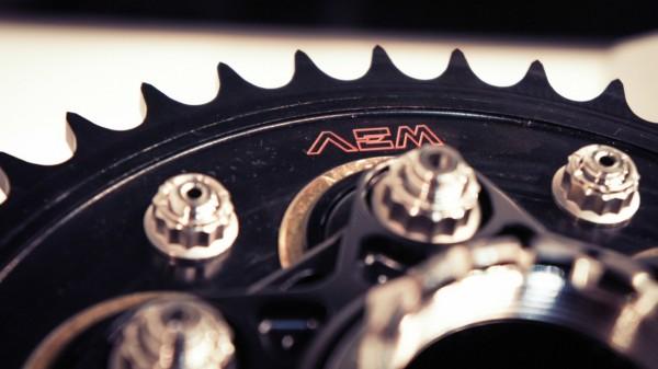 AEM Kettenrad 6-Loch Z38 525er